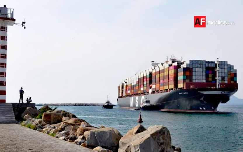 puerto carga api 04 - Puerto de Manzanillo cerrará el año con movimiento de más de 3.2 millones de TEU's