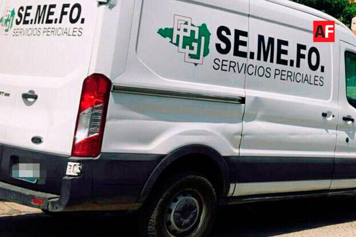 semefo mzllo dia 696x464 - Asesinan a balazos a 2 hombres en Salagua, Manzanillo