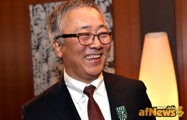 648x415_katsuhiro-otomo-fait-officier-ordre-arts-lettres-ambassade-francaise-tokyo-12-decembre-2014