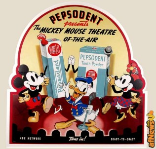 Disney pubblicità - A unique 1938 die cut standee from The Mickey Mouse Theater of the Air program It measures 32x31 - afnews