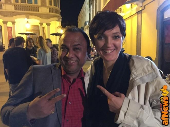 Cinzia con Puneet Sharma, direttore del festival indiano Orbit Live, che già ha ospitato una presentazione di MILA
