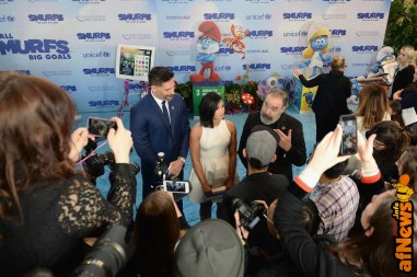 NEW YORK, NY - MARCH 18: (L-R) Actors Joe Manganiello, Demi Lovato, and Mandy Patinkin at the United Nations Headquarters celebrating International Day of Happiness in conjunction with SMURFS: THE LOST VILLAGE on March 18, 2017 in New York City. (Photo by Andrew Toth/Getty Images for Sony Pictures)
