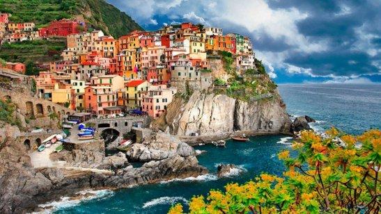 Italy-Manarola-Cinque-Terre-wallpapers-915x515