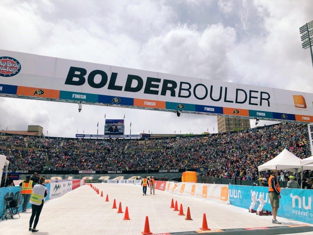 bolder boulder finish line