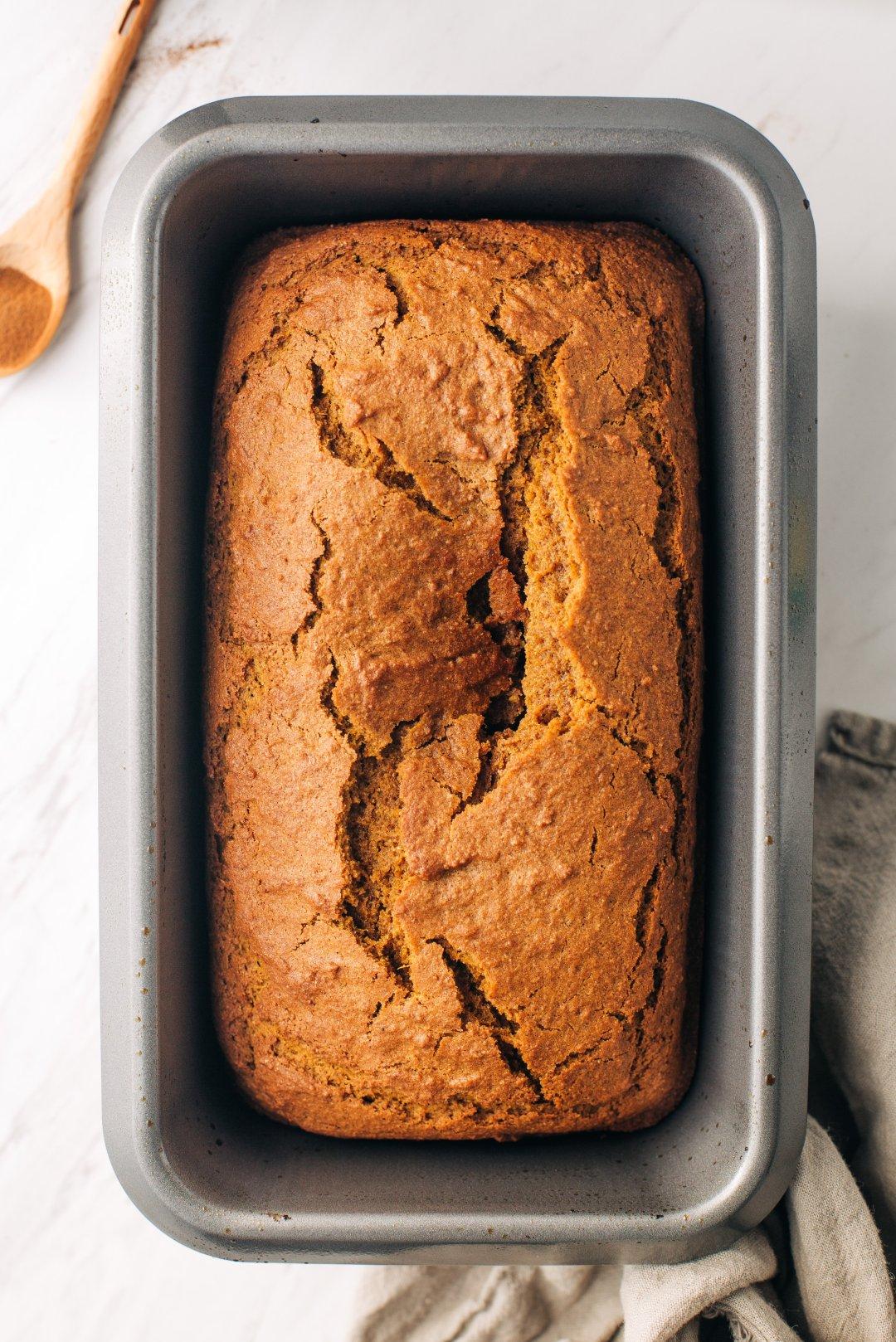 pumpkin bread vs gingerbread