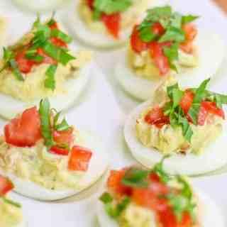 Easy BLT Deviled Eggs Recipe