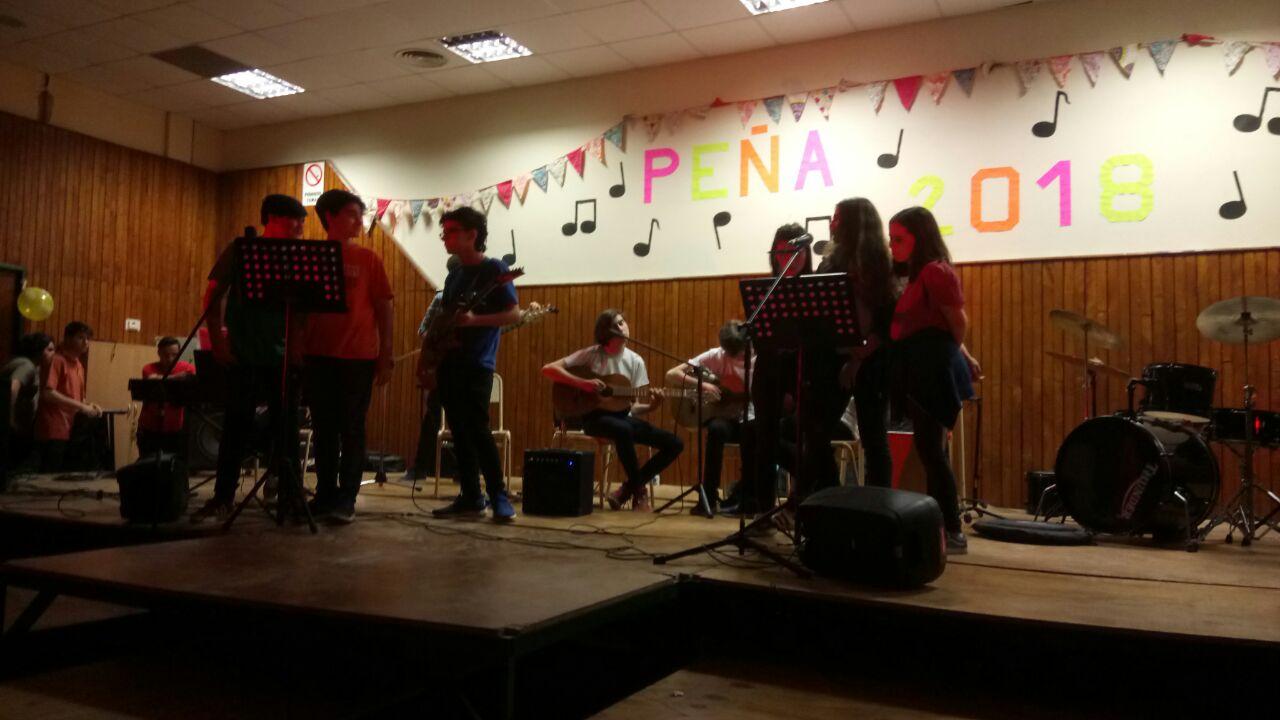 Alumnos del Taller de Música presentes en la Peña del «CREI»