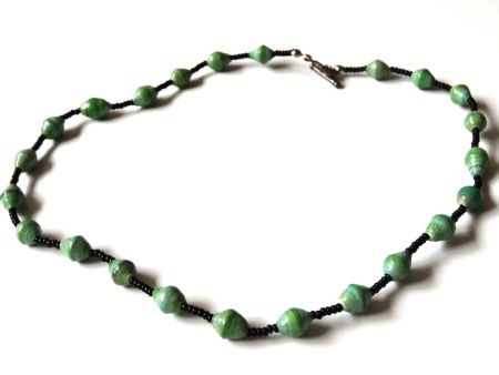 Necklace single Strand 16 Inch Green