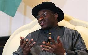 Goodluck Jonathan sul podio