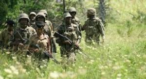 soldati in pattugliamento