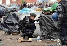 calais con poliziotto 2