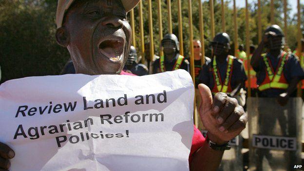 Negli ultimi anni ci sono state diverse manifestazioni per chiedere una riforma della legge fondiaria