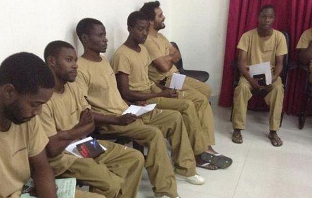 Il gruppo di dissidenti al momento dell'arresto