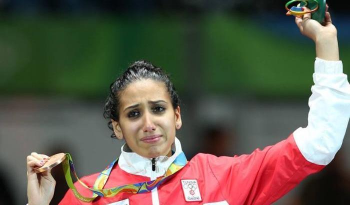 La tunisina Ines Boubakri, medaglia di bronzo nel fioretto