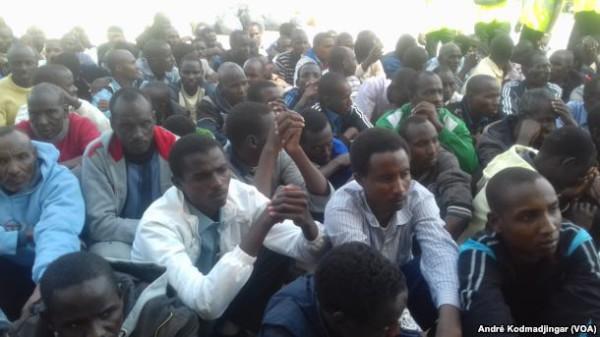 gruppo di maliani evacuati dalla Libia