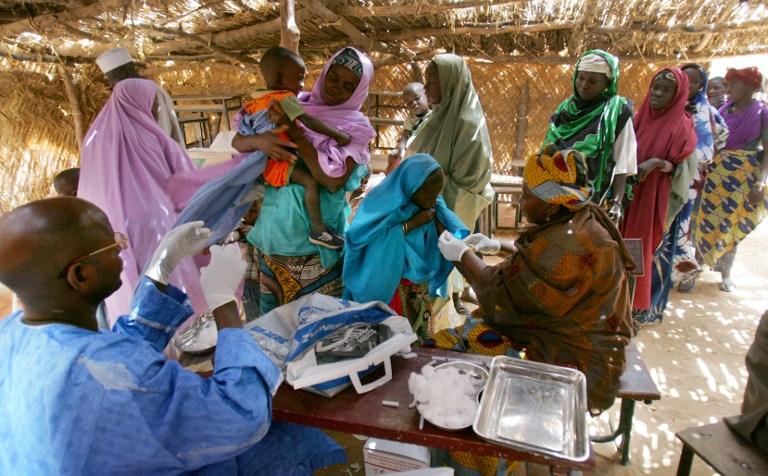 Vaccinazione a larga scala contro la meningite dei bambini in Nigeria, negli Stati colpiti
