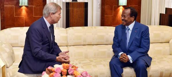 Vincent Bolloré e il presidente del Camerun Paul Byia