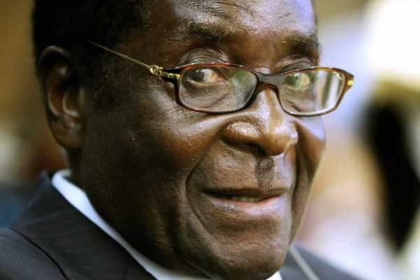 """Robert Mugabe, presidente dello Zimbabwe e nuovo """"Goodwill Ambassador"""" dell'OMS"""