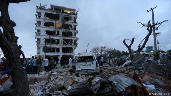 Mogadisco, Somalia, dopo le esplosione di ieri