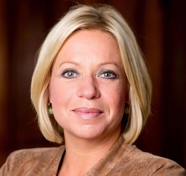 Jeanine Hennis-Plasschaert, ex ministro della Difesa olandese