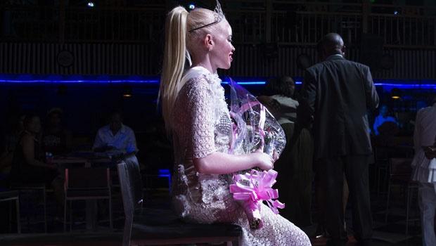 """Sithembiso Mutukura, la vincitrice del concorso di bellezza """"Miss Albino"""""""
