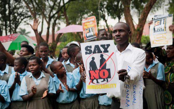 Una delle tante manifestazioni anti-gay in Africa