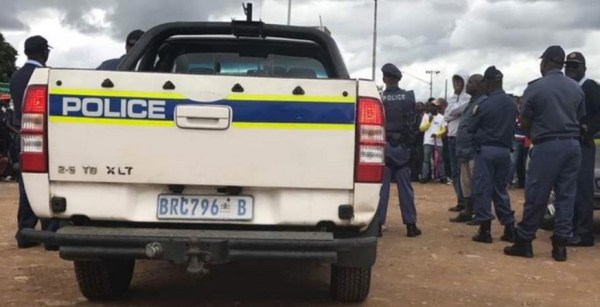 Polizia sudafricana (Courtesy Amnesty International)