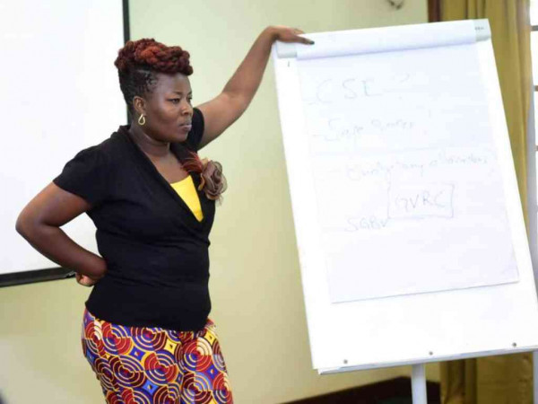 Florence Machio dell'Equity Now, alla conferenza presso il Safari Park Hotel di Nairobi