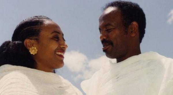Petros Solomon con la moglie Aster Yohannnes