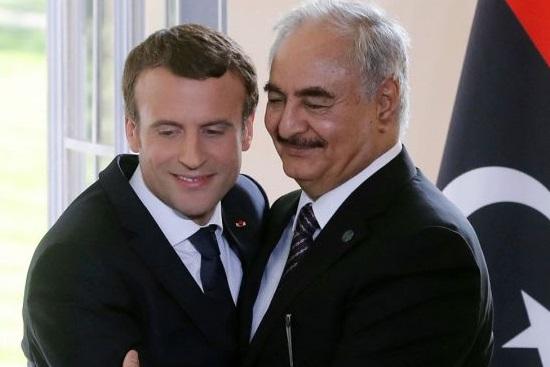 Macron con Haftar, uomo forte della Libia