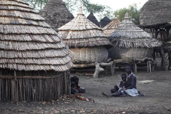 Tukul nei dintorni della cittadina di Trio dove hanno avuto luogo le mortali inoculazioni
