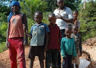 Bambini minatori nella Repubblica Democratica del Congo (Courtesy Amnesty International)