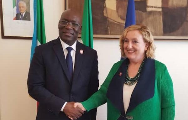Il ministro degli Esteri equatoguineano Simeon Oyono Esono Angue con la vice ministra degli Esteri Emanuele Del Re