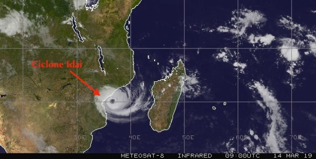 Ciclone Idai accanto alle coste mozambicane (Courtesy Meteosat)