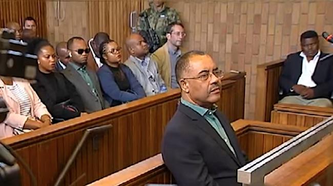 L'ex ministro delle Finanze mozambicano Manuel Chang in tribunale a Johannesburg