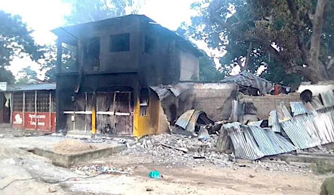 Mozambico, casa bruciata durante l'occupazione jihadista di Mocimboa da Praia