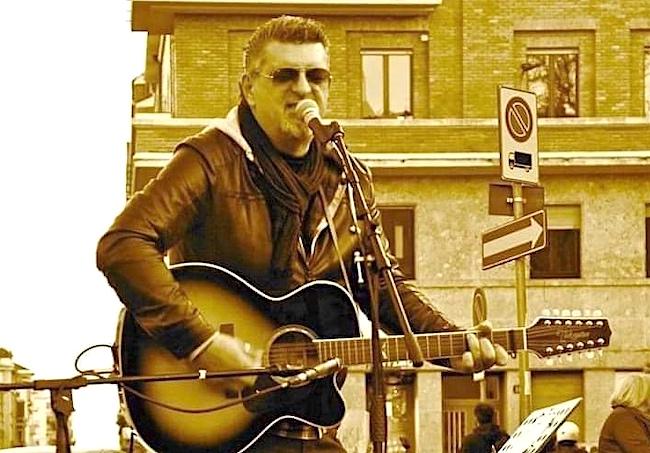 """Andrea Sigona, autore edlla canzone """"Dove è Silvia Romano"""""""