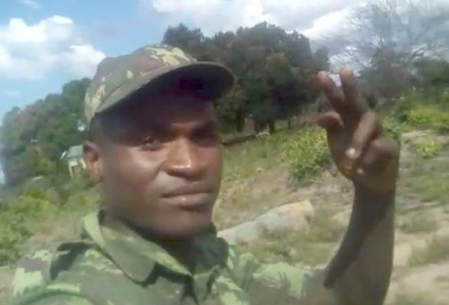 Ramiro Moises Machatine, militare delle FADM che ha girato il video dell'esecuzione della donna