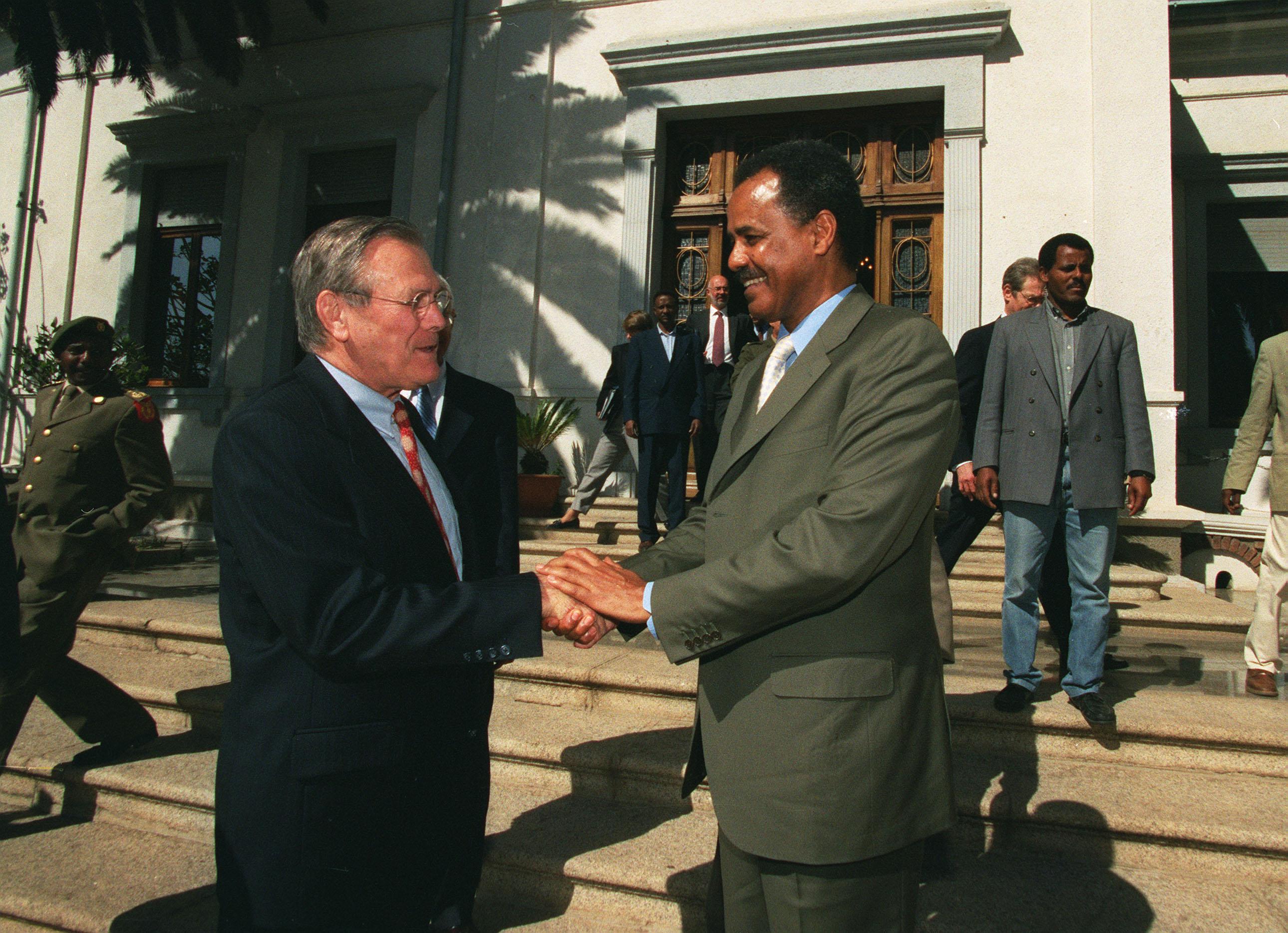 Donald Rumsfeld meets Isaias Afwerki in Eritrea