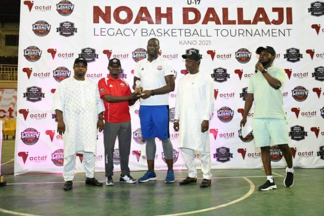 Yemi Alade, Peter Okoye, Reekado Banks tease Kano fans in Noah Dallaji Legacy Basketball Tournament