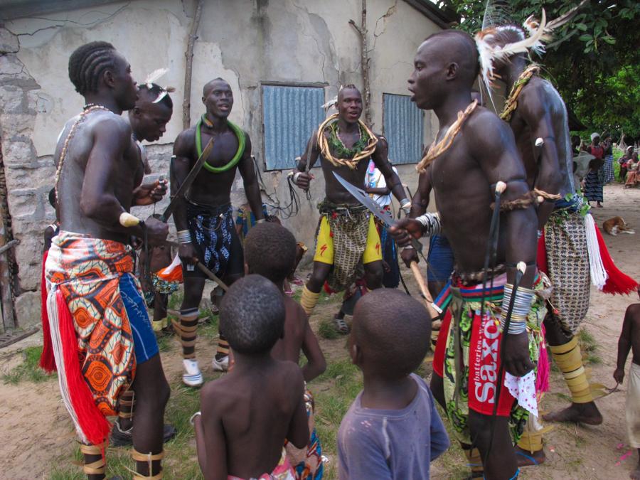 Casamance, tra mistica e tradizione/1: le danze rituali nel villaggio di Oussouye