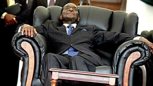 Robert-Mugabe-sleeping
