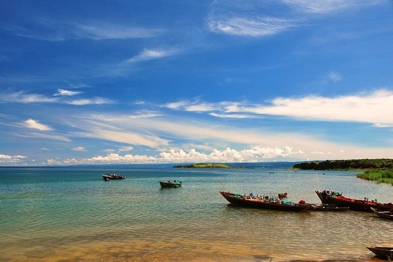 Danau tanganyika merupakan salah satu danau terbesar di Afrika