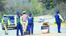 Robert Mugabe orders Zimbabwe police to reduce roadblocks