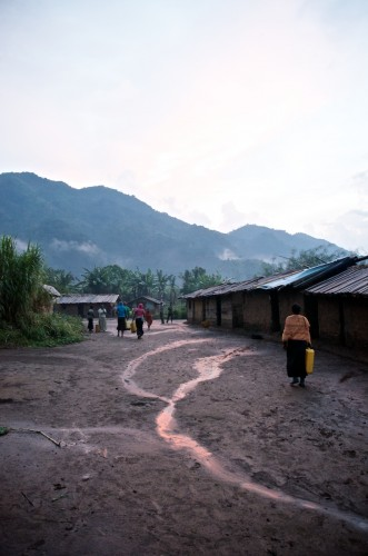 Lukweti, as dusk is falling. On the left, 'Mt. Sinai', where 'General' Janvier lives. Masisi territory, August 2013. ALEXIS BOUVY/Local Voices