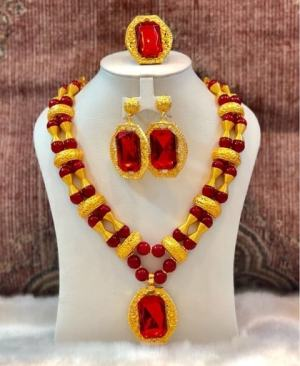 galam necklace with red pearl
