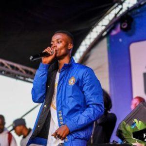King Monada - Thimane Di Phone (Feat Mack Eaze)