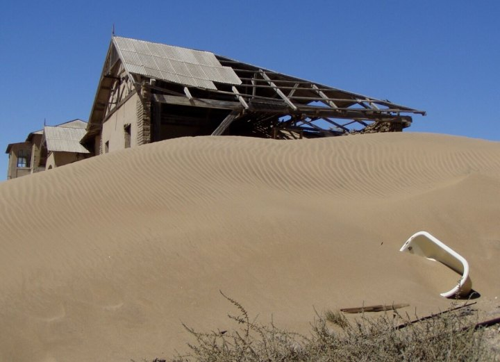 Namibia :abandoned mine diamond at kolmanskop between Lüderitz and Walvis Bay