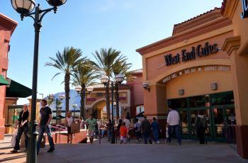 Desert hills premium outlets : California,USA