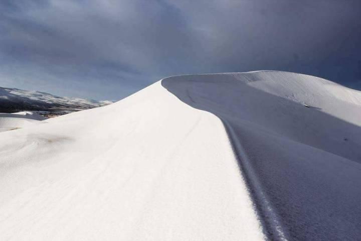 Sahara sands in snow: Sahara desert ,Ain-Sefra,Algeria